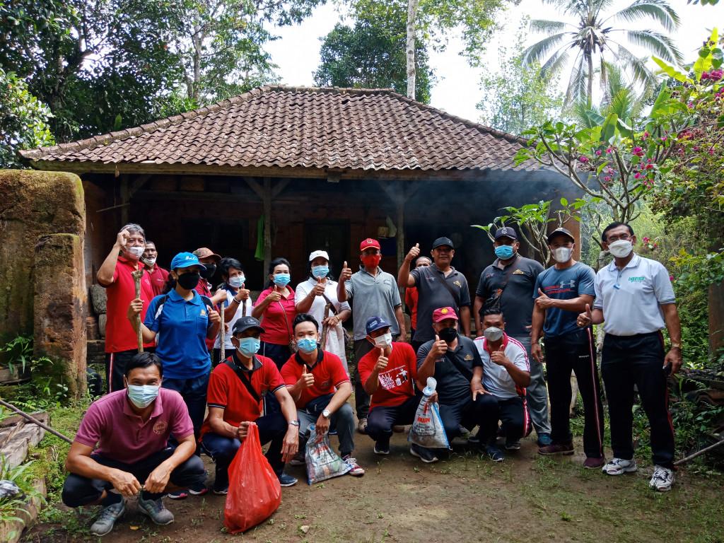 Trecking dan Bersih-Bersih Lingkungan
